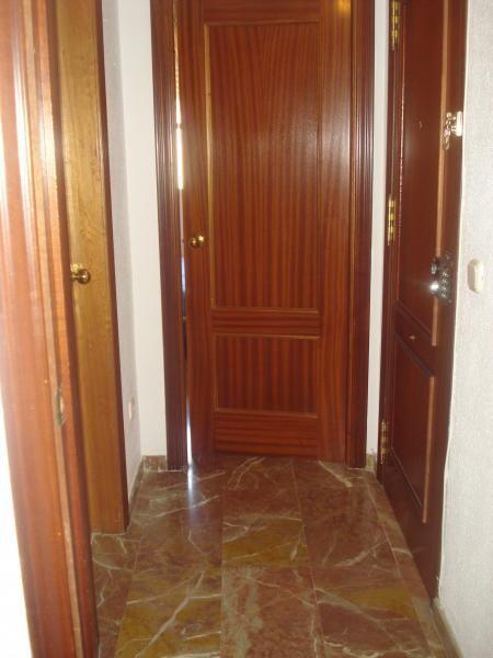 Vestíbulo - Piso en alquiler en calle Pablo Iglesias, Colonia Los Angeles en Almería - 61622968