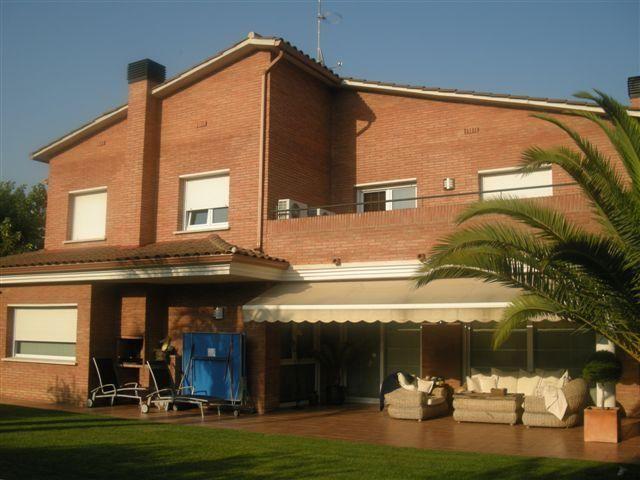 Fachada - Chalet en alquiler en calle Bernat Desclot, Sant Cugat del Vallès - 61470577