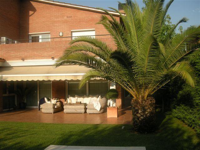 Porche - Chalet en alquiler en calle Bernat Desclot, Sant Cugat del Vallès - 61470593