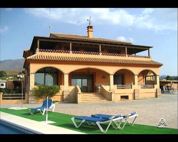 Villa en alquiler en vía Guadalobon, Estepona - 279434041