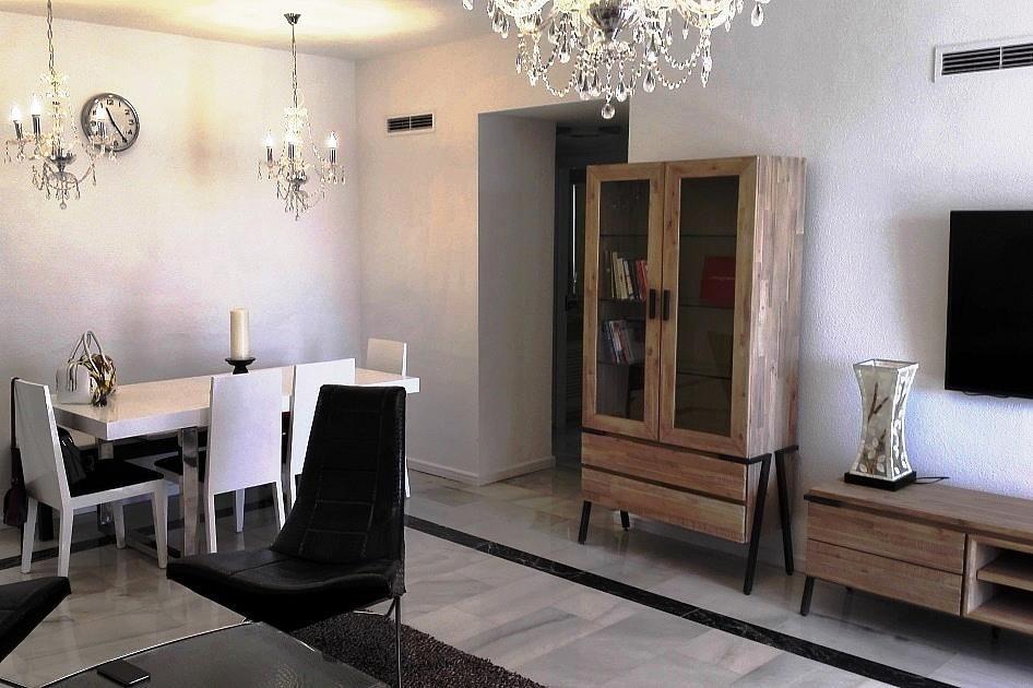 Piso en alquiler en urbanización Playas del Duque, Nueva Andalucía-Centro en Marbella - 294744552