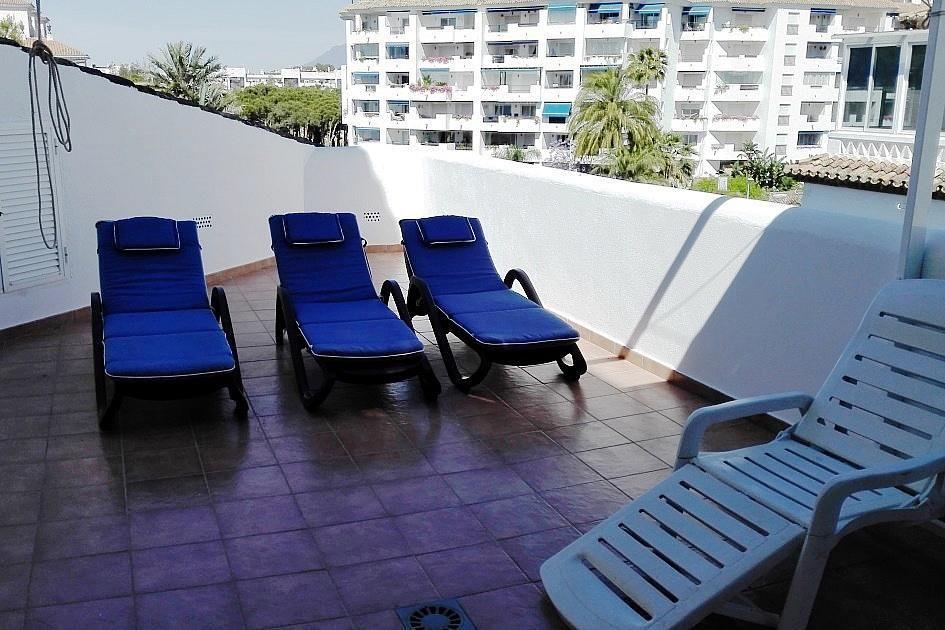 Piso en alquiler en urbanización Playas del Duque, Nueva Andalucía-Centro en Marbella - 294744557