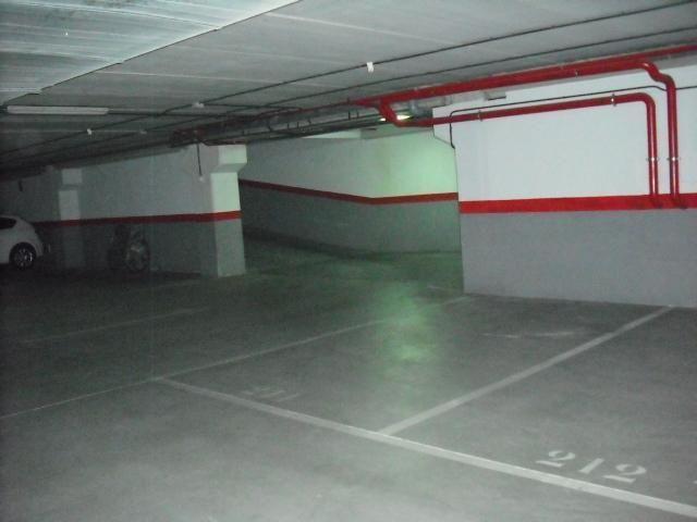Garaje en alquiler en calle Dinamarca, Centro en Fuenlabrada - 76733018