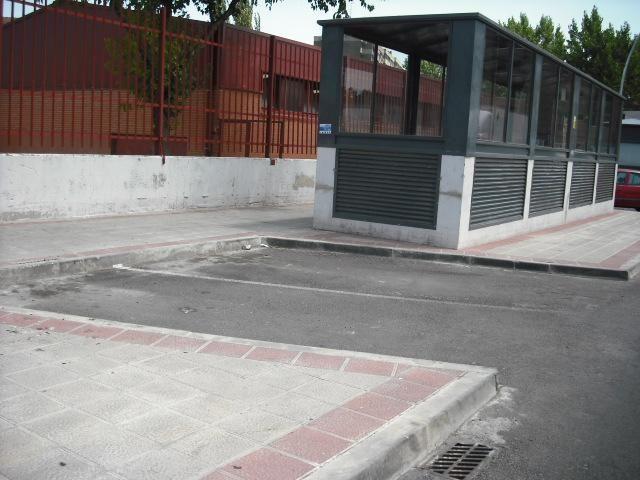 Garaje en alquiler en calle Dinamarca, Centro en Fuenlabrada - 76733036