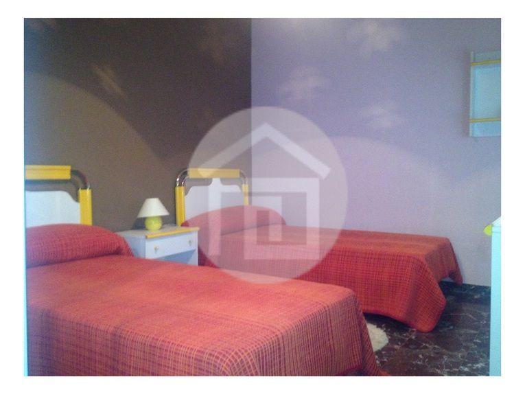 Casa en alquiler en calle Santo Domingo, Mengíbar - 121858707