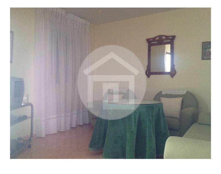 Casa en alquiler en calle Virgen del Rosario, Mengíbar - 121970122