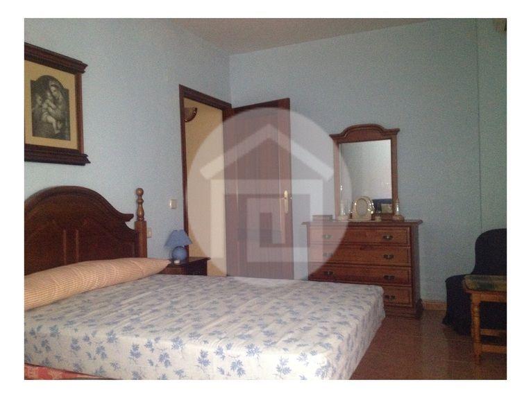 Casa en alquiler en calle Virgen del Rosario, Mengíbar - 121970189