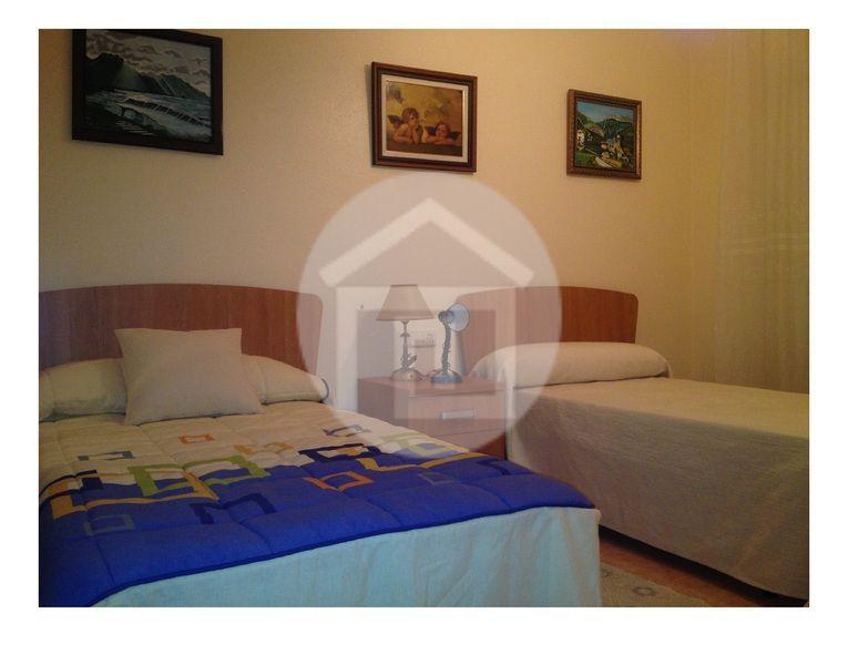 Casa en alquiler en calle Virgen del Rosario, Mengíbar - 121970208