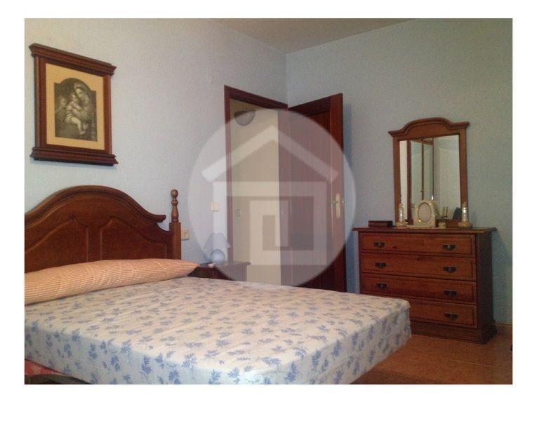 Casa en alquiler en calle Virgen del Rosario, Mengíbar - 121970216