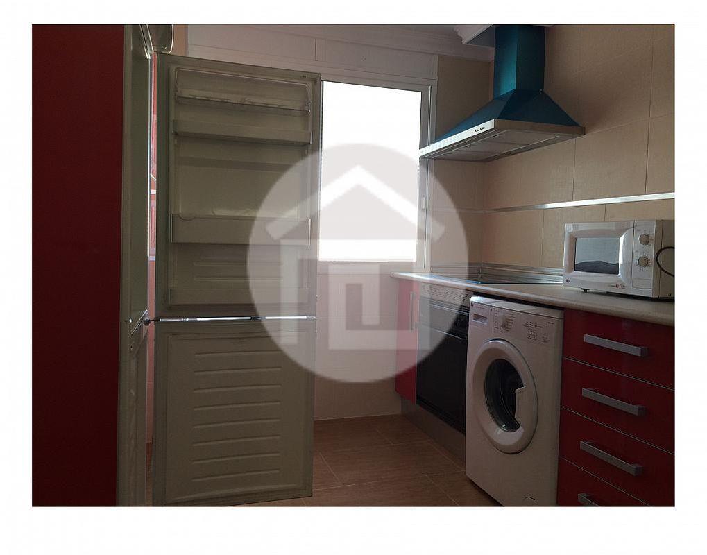 Piso en alquiler en calle Zona Centro, Linares - 162968478