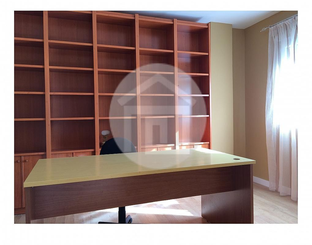 Piso en alquiler en calle Zona Centro, Linares - 162968532