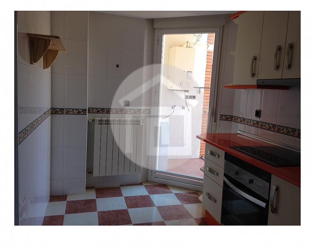 Dúplex en alquiler en calle Junto a Corte Inglés, Linares - 202710966