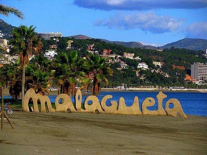 Foto - Local comercial en alquiler en calle Malaga Este, El Candado-El Palo en Málaga - 325999209