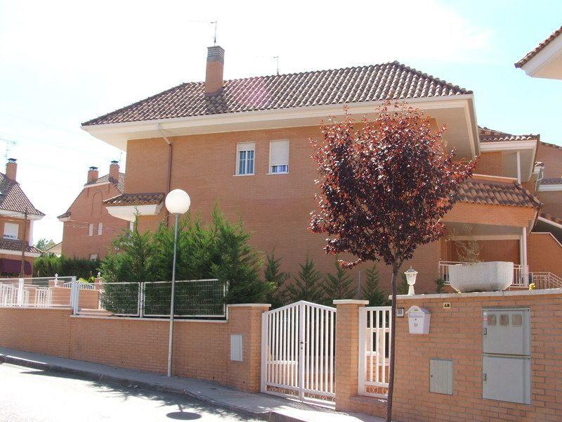 Fachada - Piso en alquiler en calle Ebro, Villaviciosa de Odón - 122559405