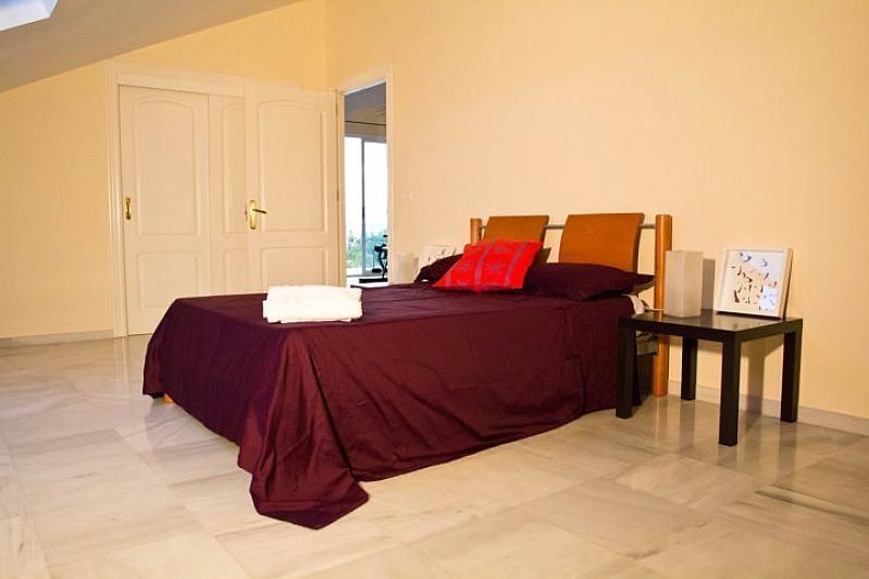 Villa en alquiler en Benalmádena - 386156875