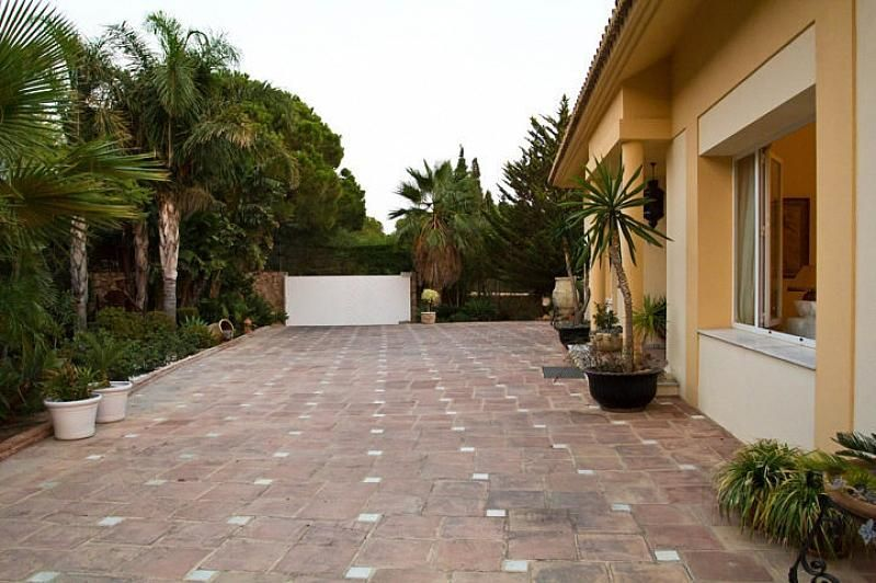 Villa en alquiler en Benalmádena - 386156878