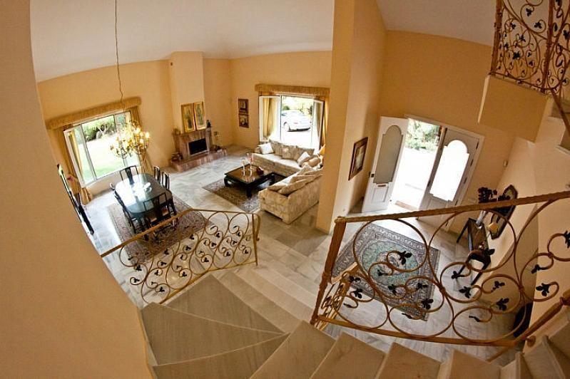 Villa en alquiler en Benalmádena - 386156884