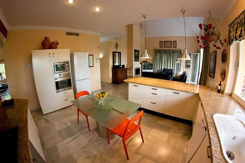 Villa en alquiler en Benalmádena - 386156887