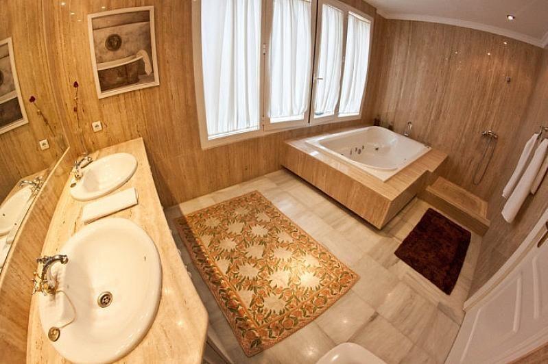 Villa en alquiler en Benalmádena - 386156890