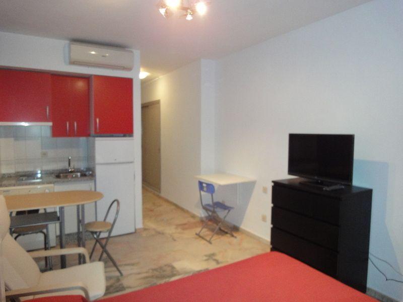 Piso en alquiler en calle Alcalde Luis Uruñuela, Este - Alcosa - Torreblanca en Sevilla - 122686809
