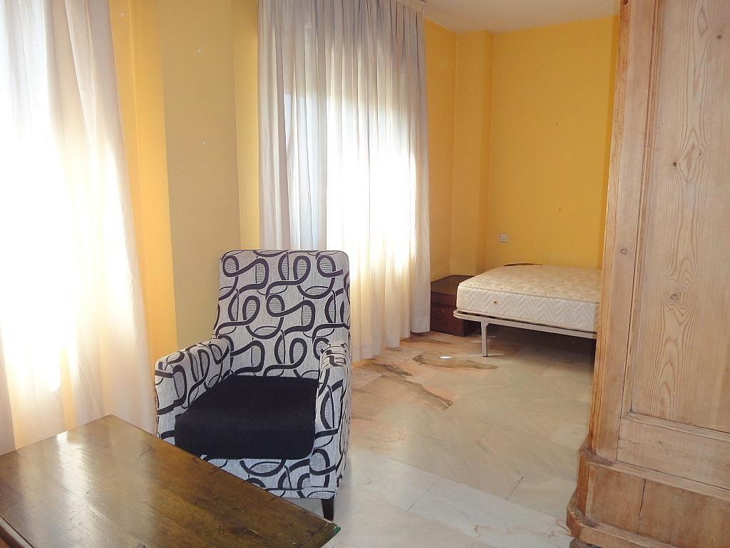 Dormitorio - Estudio en alquiler en calle Alcalde Luis de Uruñuelas, Av. Ciencias-Emilio Lemos en Sevilla - 153973236