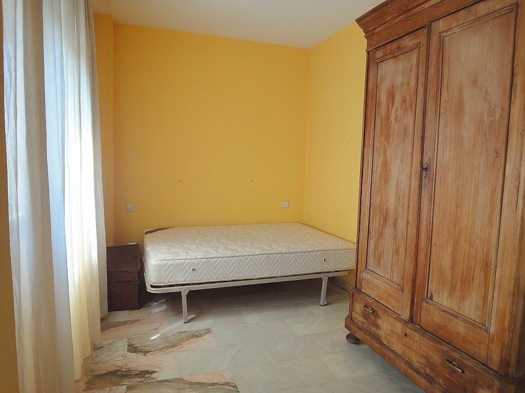 Dormitorio - Estudio en alquiler en calle Alcalde Luis de Uruñuelas, Av. Ciencias-Emilio Lemos en Sevilla - 153973263
