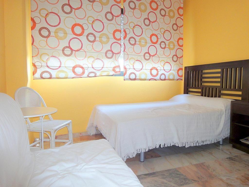Dormitorio - Piso en alquiler en calle Alcalde Luis Uruñuela, Este - Alcosa - Torreblanca en Sevilla - 167196148