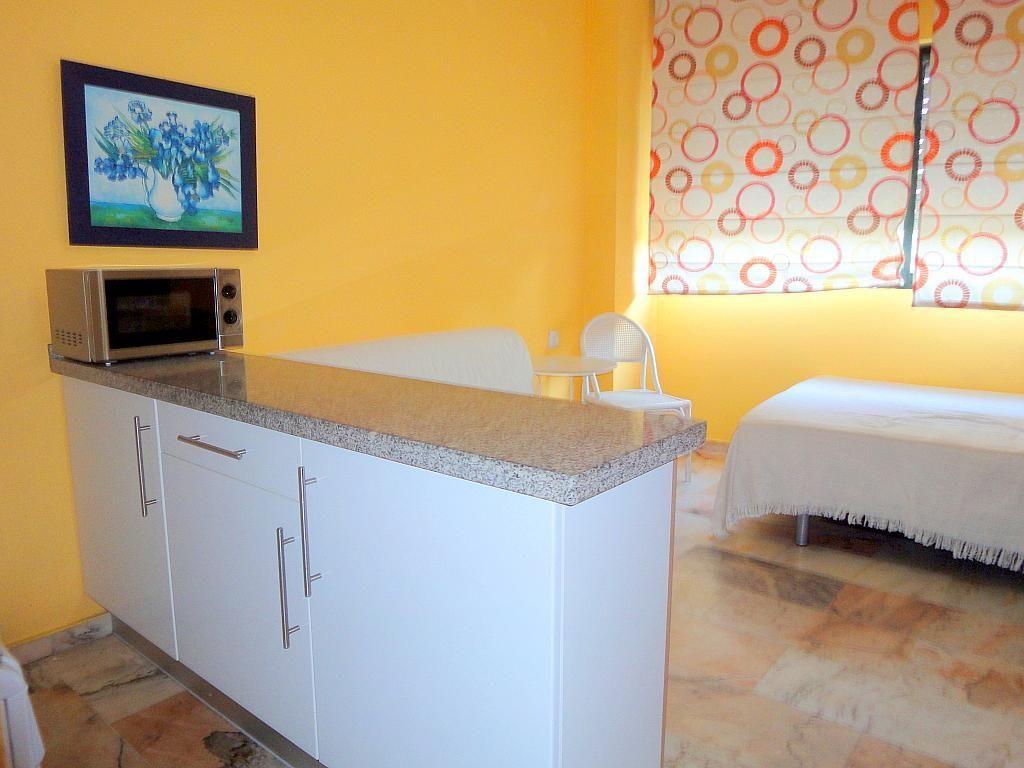 Dormitorio - Piso en alquiler en calle Alcalde Luis Uruñuela, Este - Alcosa - Torreblanca en Sevilla - 167198736