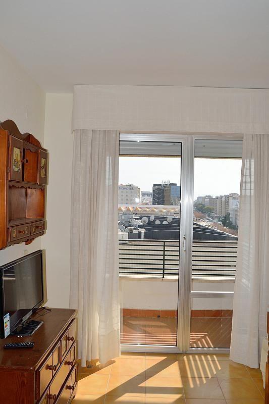 Salón - Apartamento en alquiler en calle Luis Montoto, Nervión en Sevilla - 185346679