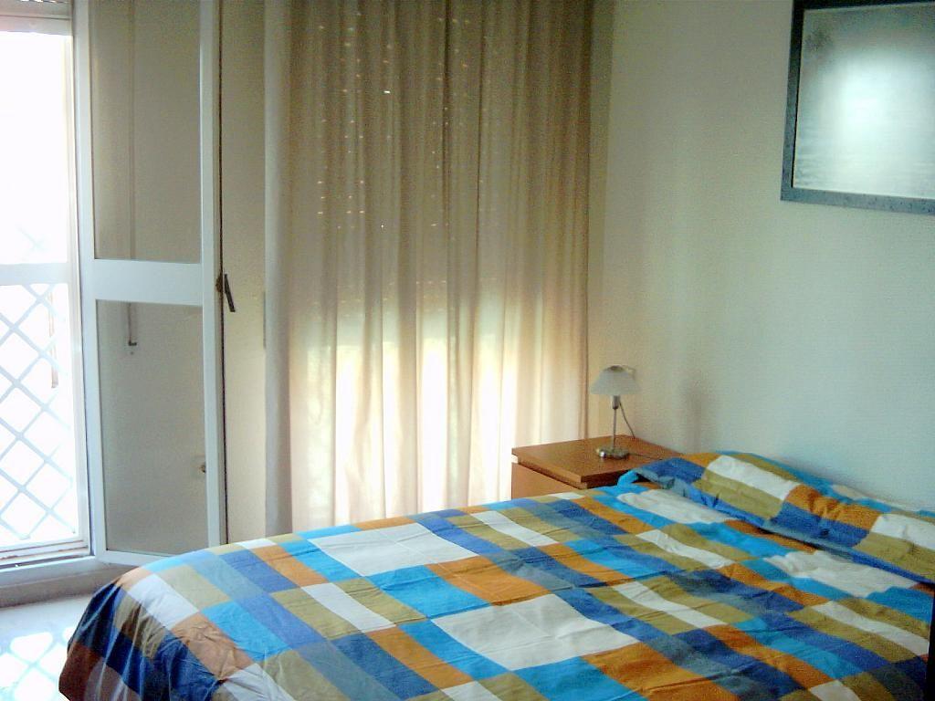 Dormitorio - Piso en alquiler en calle Alcalde Luis Uruñuela, Entrepuentes en Sevilla - 186285291