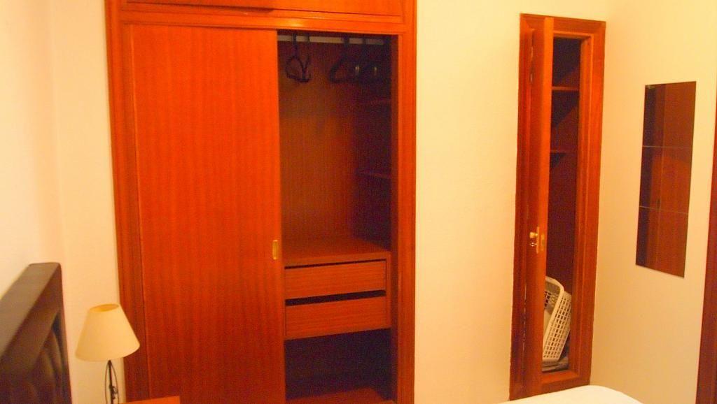 Dormitorio - Apartamento en alquiler en calle Camilo Jose Cela, San Bernardo en Sevilla - 199564526