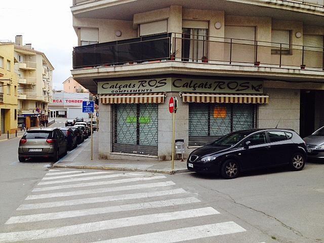 Local comercial en alquiler en calle Santiago Rusiñol, Tordera - 384159349
