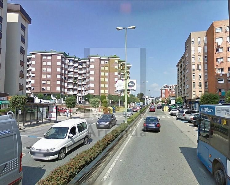 Local comercial en alquiler en calle Bilbao, Muriedas - 381121449