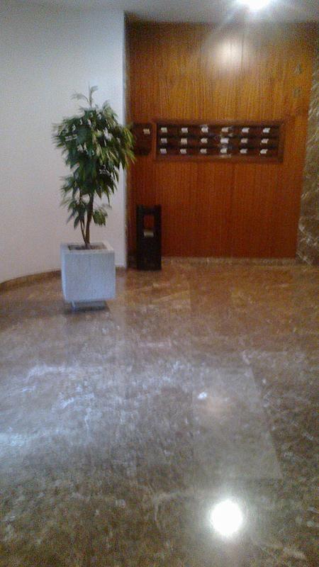 Vestíbulo - Piso en alquiler en San Bernardo en Sevilla - 257029114