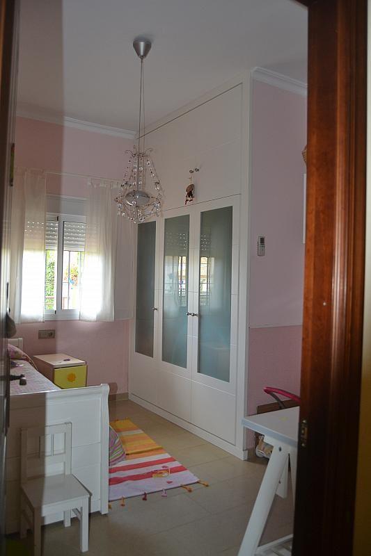 Dormitorio - Chalet en alquiler en Poligono la Isla en Dos Hermanas - 181581953