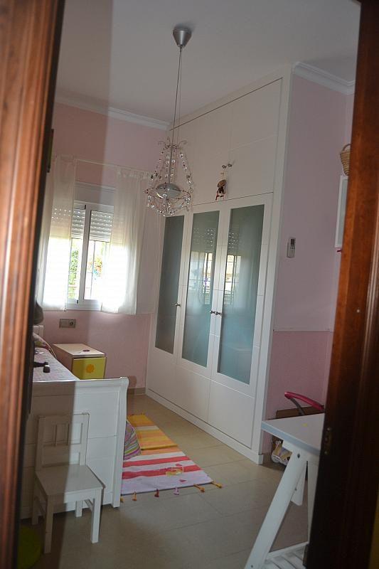 Dormitorio - Chalet en alquiler en Poligono la Isla en Dos Hermanas - 181581955