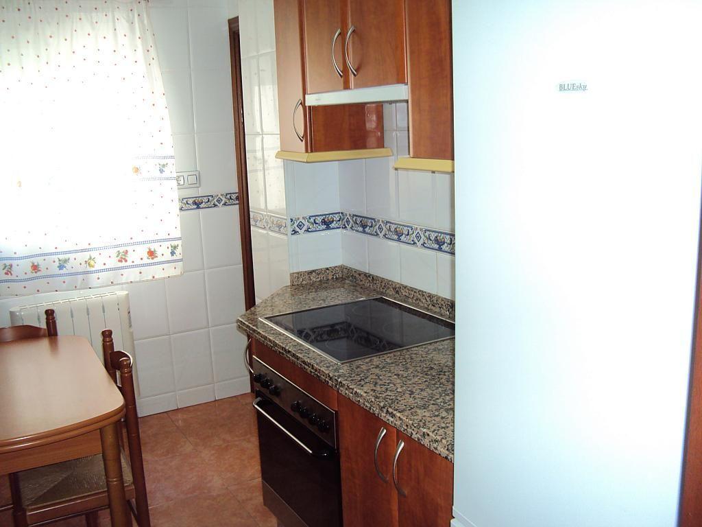 Piso en alquiler en calle Pedro Navia, Almendralejo - 239537165