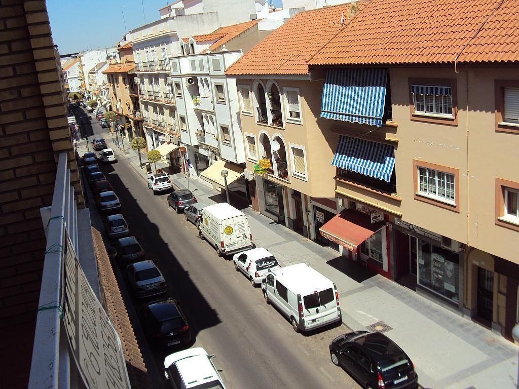 Piso en alquiler en calle Pedro Navia, Almendralejo - 239537194
