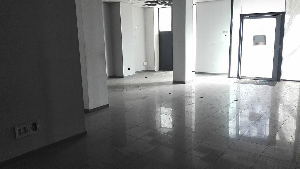Local comercial en alquiler en calle De Antonio López, Almendrales en Madrid - 361614730