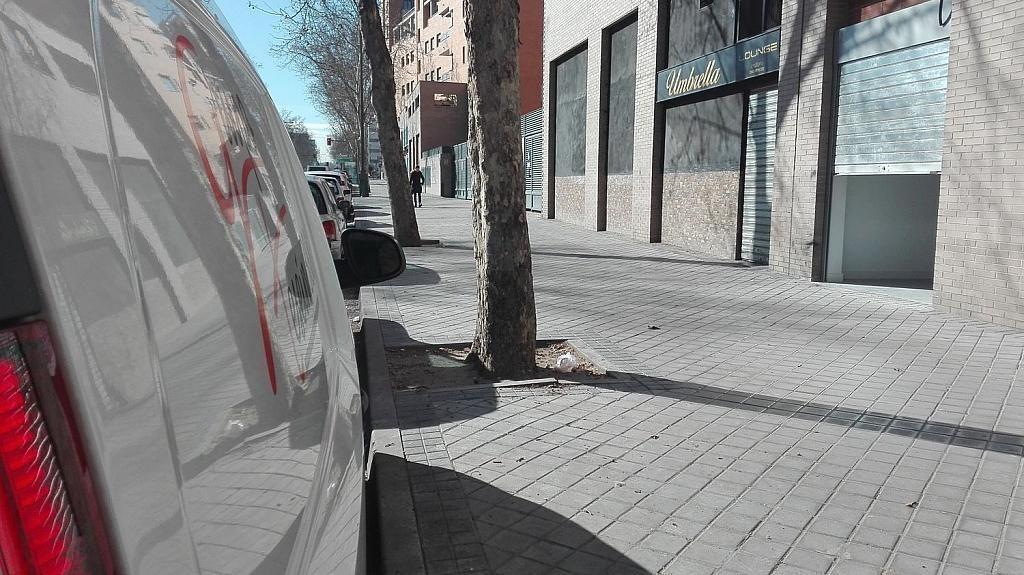 Local comercial en alquiler en calle De Antonio López, Almendrales en Madrid - 361614763