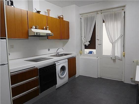 Piso en alquiler en calle San Fermin, Segundo Ensanche en Pamplona/Iruña - 228838583