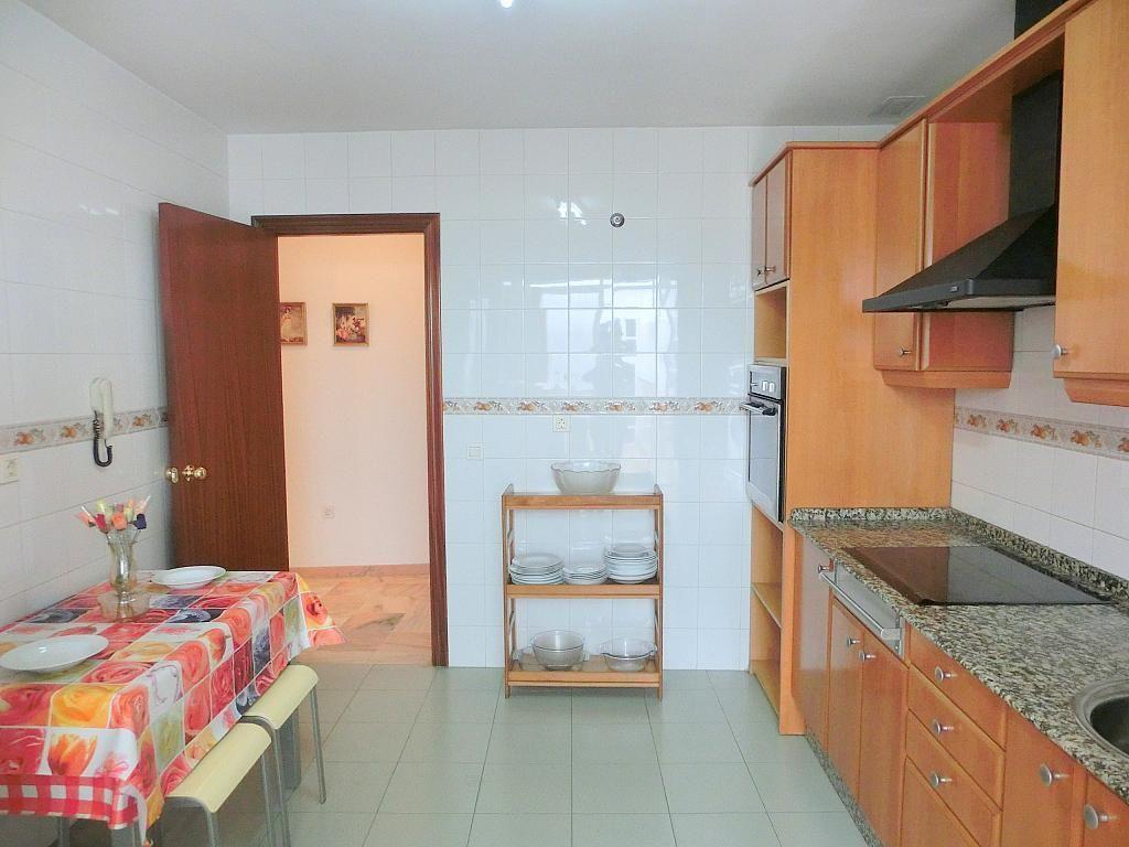 Piso en alquiler en calle Centenario, Barrio Bajo en Sanlúcar de Barrameda - 272209703
