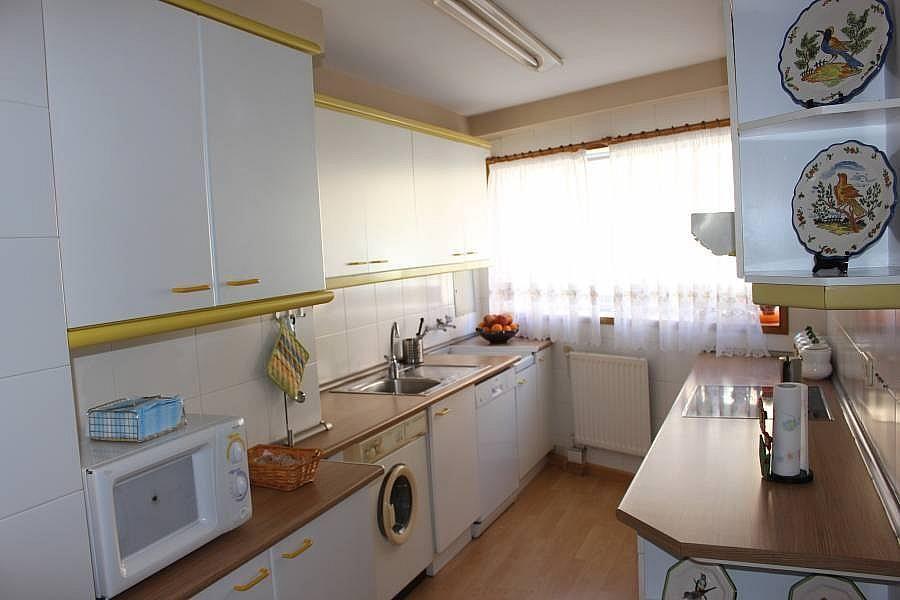 Foto - Piso en alquiler en calle Perillosanta Cristina, Oleiros - 352879629