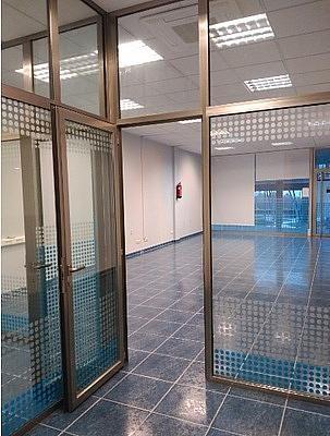 - Local en alquiler en calle Miralles; Área Comercial Campus Universitario de Vigo, Bembrive-Zamans en Vigo - 279862497