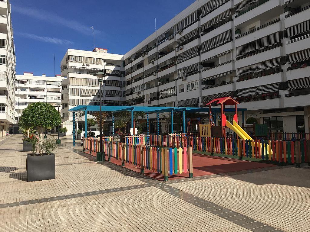 Local en alquiler en calle Pico de Las Palomas, Parque Mediterráneo-Santa Paula en Málaga - 267070935