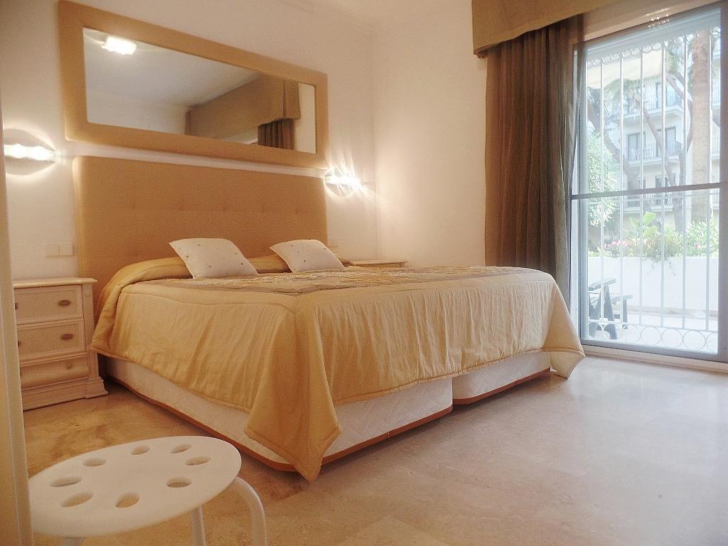 Dormitorio - Apartamento en alquiler en urbanización Puerto Banus, Puerto Banús en Marbella - 304851228