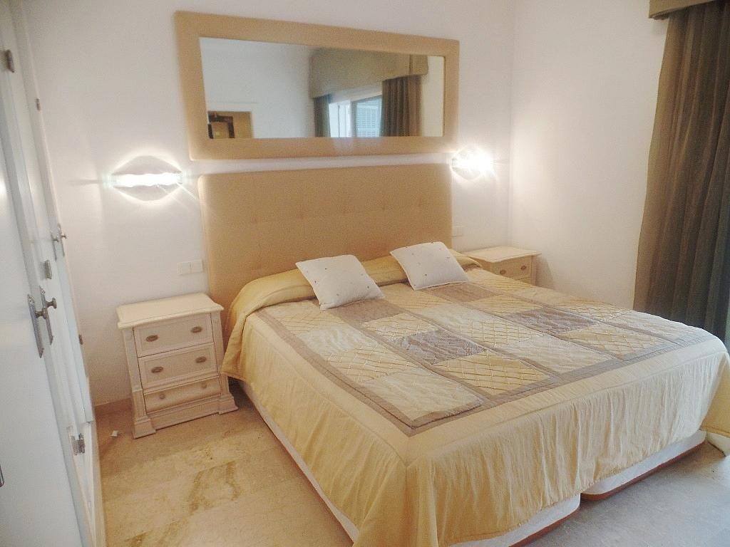 Dormitorio - Apartamento en alquiler en urbanización Puerto Banus, Puerto Banús en Marbella - 304851230