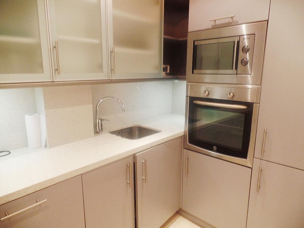 Cocina - Apartamento en alquiler en urbanización Puerto Banus, Puerto Banús en Marbella - 304851239
