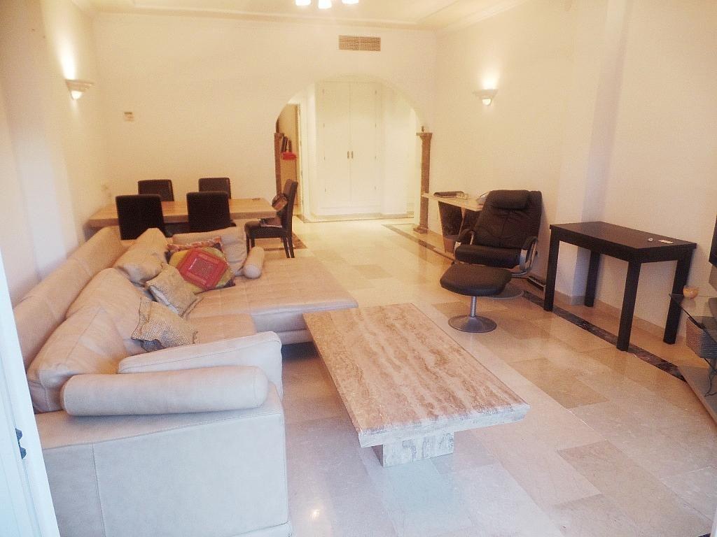Salón - Apartamento en alquiler en urbanización Puerto Banus, Puerto Banús en Marbella - 304851246