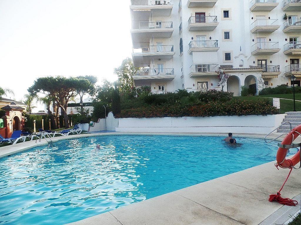 Piscina - Apartamento en alquiler en urbanización Puerto Banus, Puerto Banús en Marbella - 304851302
